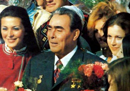 Леонид Ильич Брежнев в Кишеневе с трудящимися