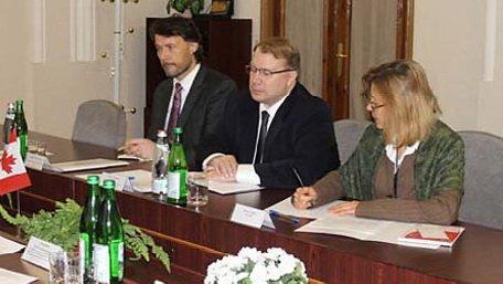 Канадские врачи обследовали в тюрьме Юлию Тимошенко